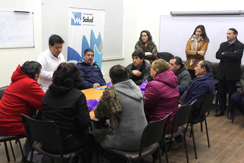 En el marco del Programa de Resolutividad de Salud Machalí, el Cesfam local entregó audífonos a sus usuarios.