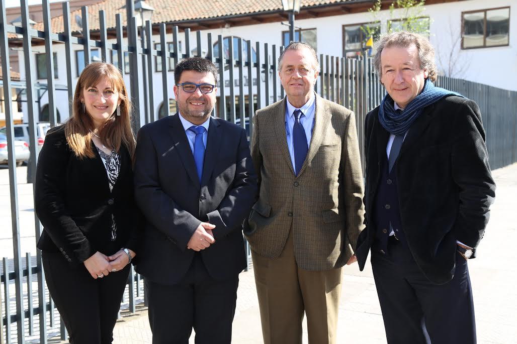 Su primera reunión de trabajo fue con el intendente Juan Ramón Godoy, la seremi de Educación Alyson Hadad y el jefe de la Divesup, Francisco Martinez.