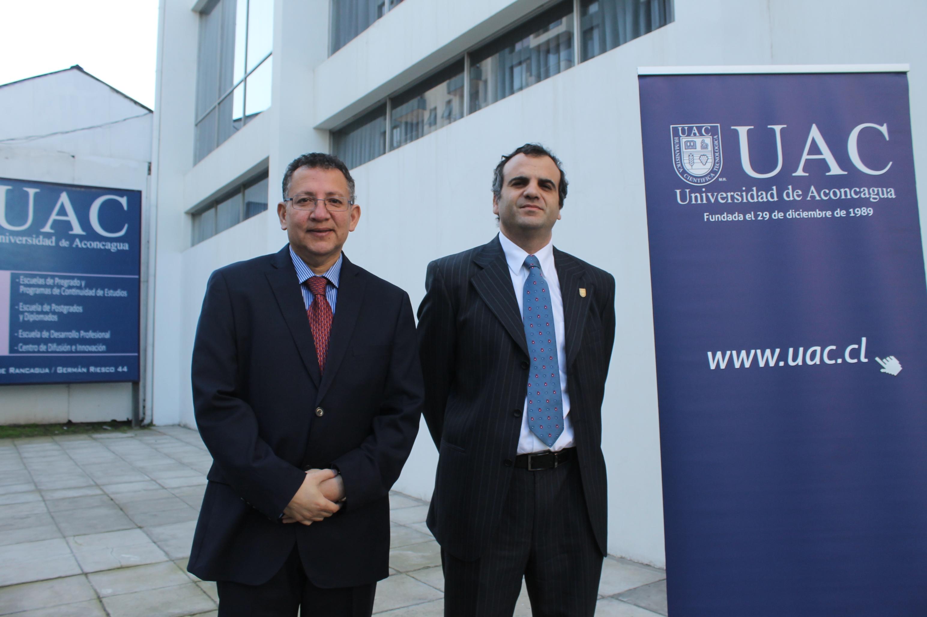 Christian Mauricio León es el nuevo director de la Universidad de Aconcagua en la Región de O'Higgins. En la imagen junto al rector de la Universidad de Aconcagua, Gastón Zegard Latrach.