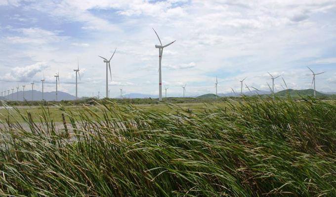 La Alianza Renault-Nissan está comprometida con la reducción de las emisiones de CO2 en sus procesos de manufactura, por ello, ha introducido numerosos métodos para ahorrar energía, incluyendo el uso de fuentes de energía renovables.