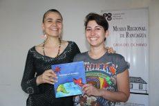 De izquierda a derecha: Paloma Valenzuela y Carla Vaccaro.
